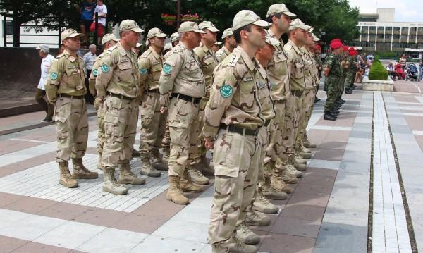 Военните ни на ръба, изпълняват задълженията си, но как?