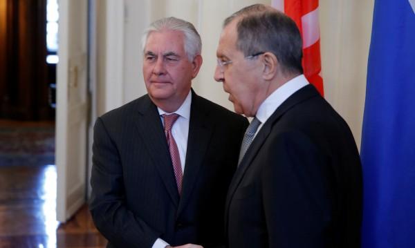 Лавров към Тилърсън: Да няма нови американски удари в Сирия