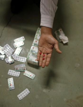 Злоупотребата с лекарства ни разболява