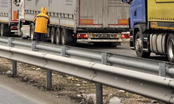 Великденски трафик: Без камиони в последния работен ден