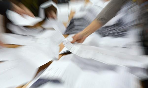 Цацаров отказа на Местан, няма да оспорва изборите