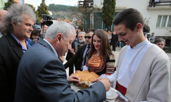 В края на мандата: Герджиков с папка със съвети за Борисов