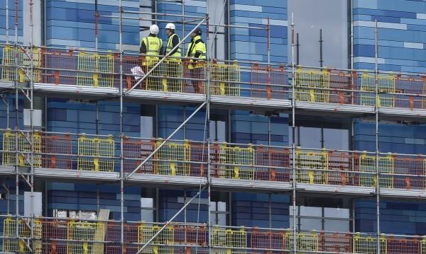 Българи и румънци – 1% от работната сила на Острова