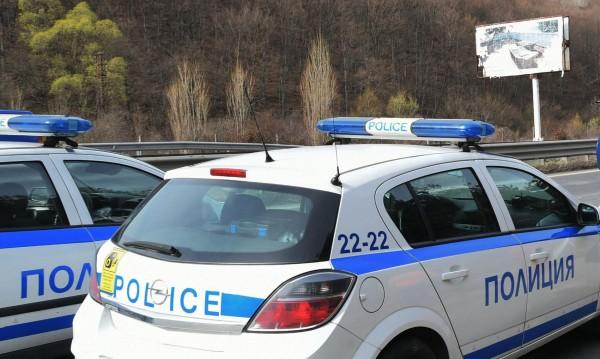 """На крачка от трагедия: Конструкция от """"Витиня"""" се срути върху автобус"""