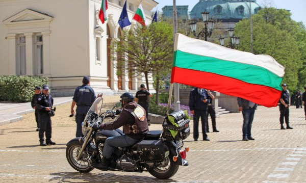 Локо, ЦСКА и Марек: Парламентът като спортна площадка