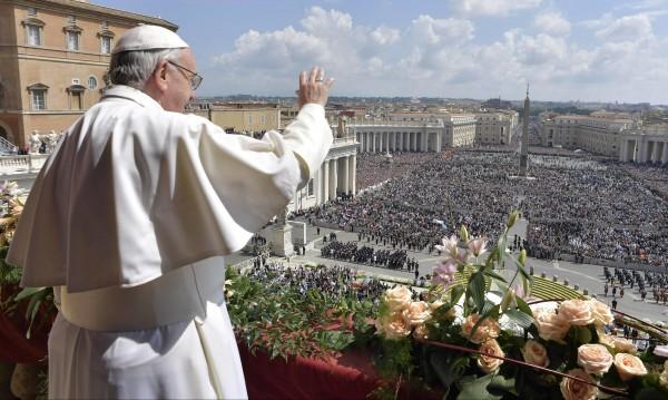 """Папата осъди """"потисническите режими"""", призова за мир в Сирия"""