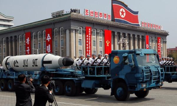 Пхненян се закани: Продължава с ракетните изпитания!
