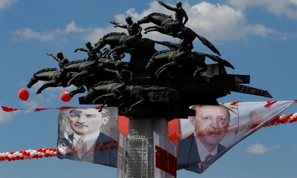 Светска или ислямска? Ердоган срещу идеите на Ататюрк