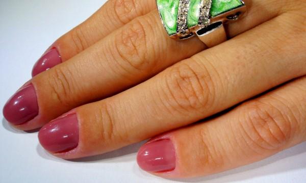5 причини за почерняване на ноктите