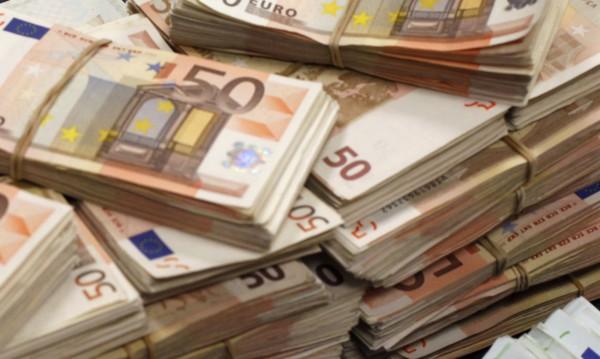 Германско списание: Бедните плащат за реформите в Гърция!
