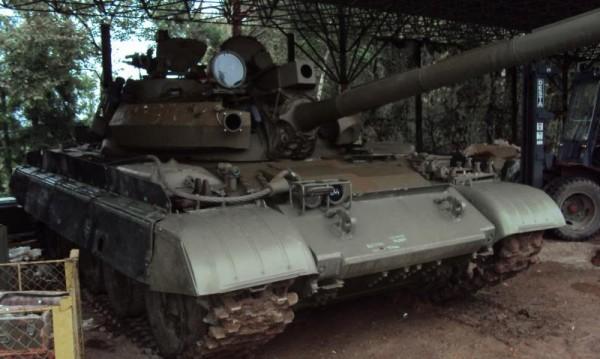 Танкове, БТР-и, УАЗ-ки, цели казарми... за продан на тезгяха на МО