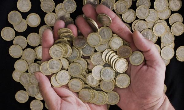 Средната заплата скочила с близо 10%, станала 962 лв.