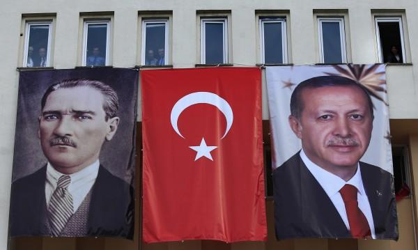 Германски консерватори зоват ЕС: Край на преговорите с Турция
