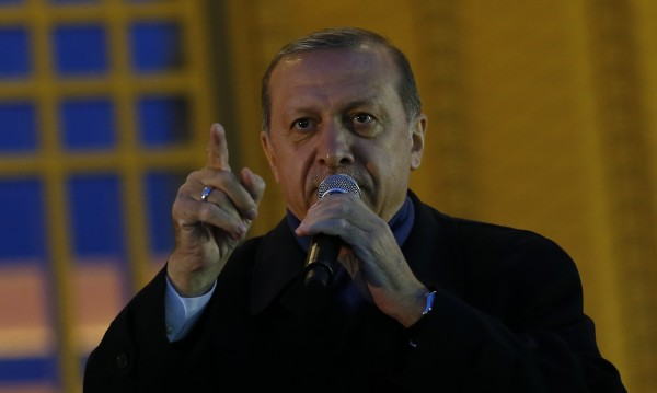 Ердоган надигал глас срещу тирани, затова му казвали диктатор