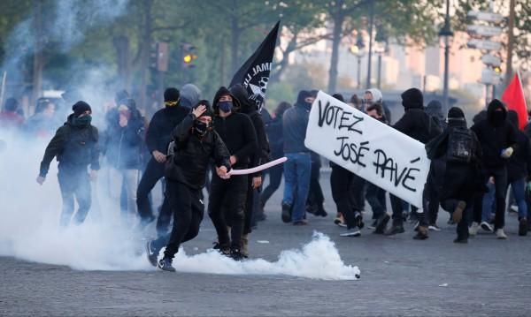 Сблъсъци в Париж след изборите, има ранени и арестувани