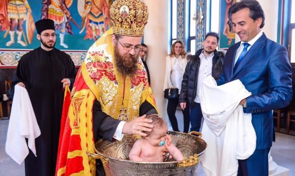Бебето на Златка Димитрова прие християнската вяра
