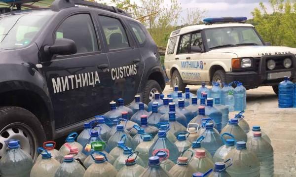 Митничари хванаха над 170 л домашна ракия край Белоградчик