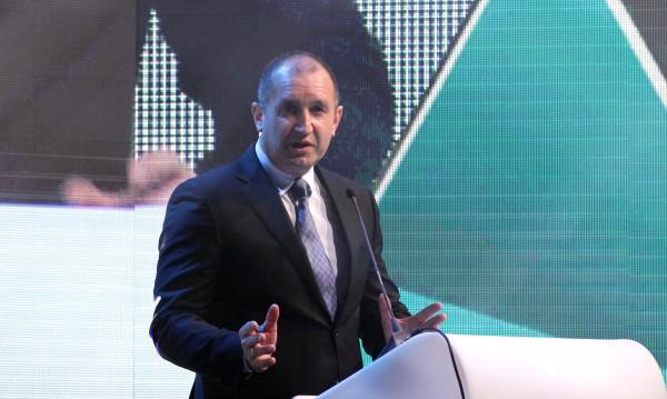 27-ми, денят за мандата: Радев дава, Борисов взима