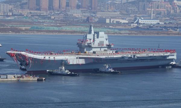 Китай пусна на вода първия самолетоносач, разработен там