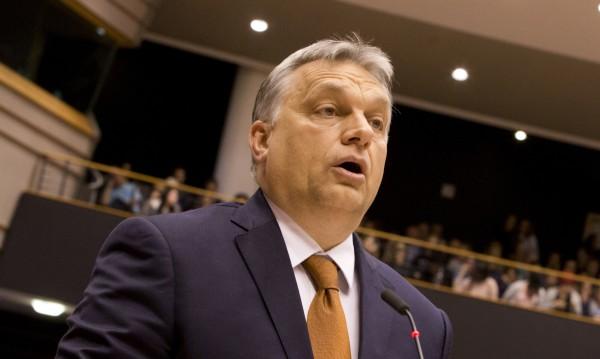 Орбан сравнен с Брежнев и Сталин