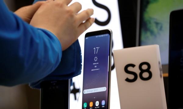 Чиповете и смартфоните позлатиха Samsung