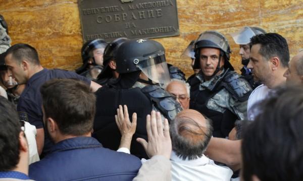Македония – на ръба на гражданската война?