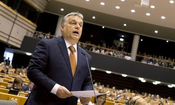 ЕНП пусна Орбан без бой, обещал да се поправи