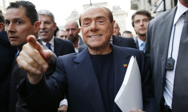 Берлускони в болница: Паднал и си сцепил устната