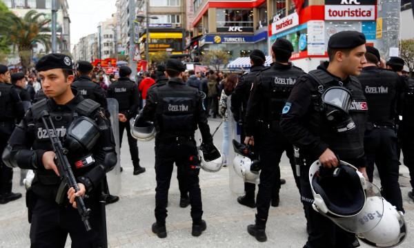 Чистките в Турция продължават – 4000 души са уволнени