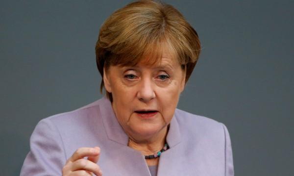 Меркел в Саудитска Арабия – за правата на жените и ИД