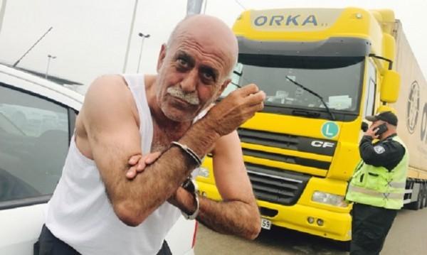 Турски тираджия на градус за малко да прегази полицаи