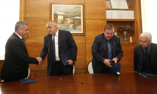 Поделиха властта: Патриотите взимат 4 министерства и вице