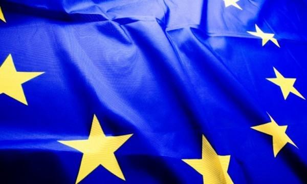Защо цяла Европа все още се нуждае от налични пари?