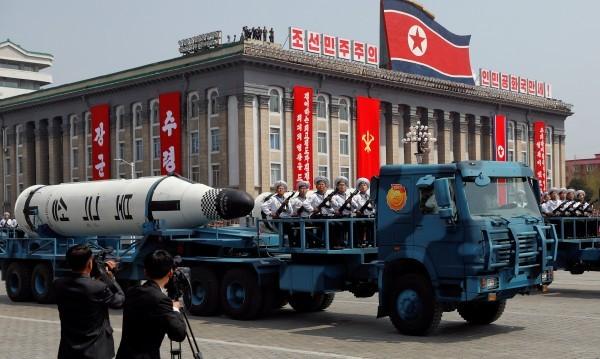 """Пхенян ще бори """"агресивната истерия на САЩ"""" с ядрени сили"""