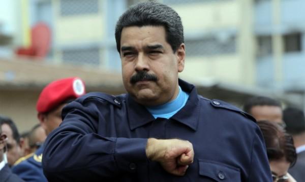 Мадуро иска нова конституция за Венецуела, винят го в преврат