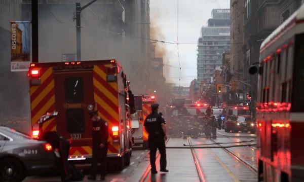 Взривове след пожар в трансформатор в Торонто