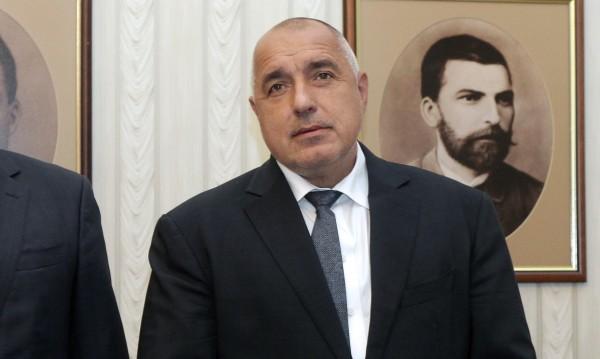 Парите са за бежанци и армия, но Борисов обеща: И за доходи!