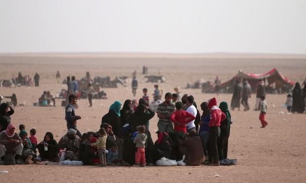 ИД атакува бежански лагер в Сирия, най-малко 32-ма загинали