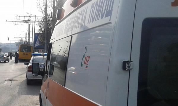 """Инцидент: Мъж падна от моста """"Чавдар"""", блъсна го камион"""