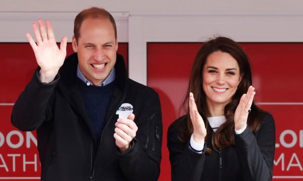 Уилям и Кейт искат €1,5 млн. за... голите снимки