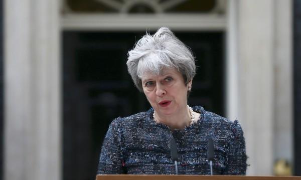 Британски печат: Тереза Мей обяви война на Брюксел
