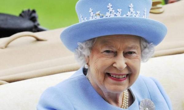 Breaking news: Кралица Елизабет ІІ и принц Филип са живи!