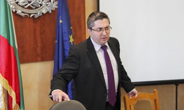 Регионалният министър ще сменя шефовете на АПИ