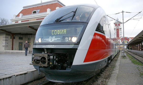 БДЖ пуска още 14 400 места във влаковете за 6 май