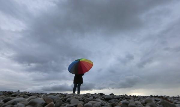 Облачен петък - валежите продължават и днес