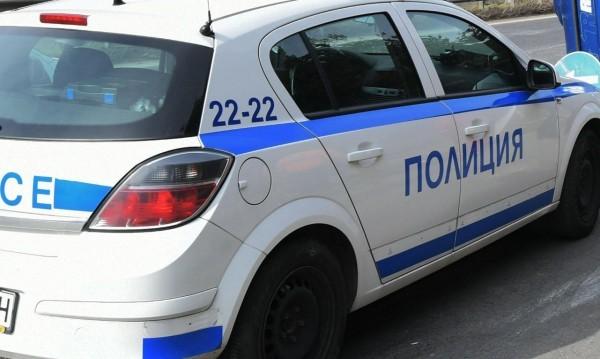 Двама пребиха млада жена в Разград! Издирват ги