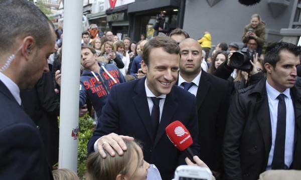 Макрон води на втория тур във Франция с над 60% от гласовете