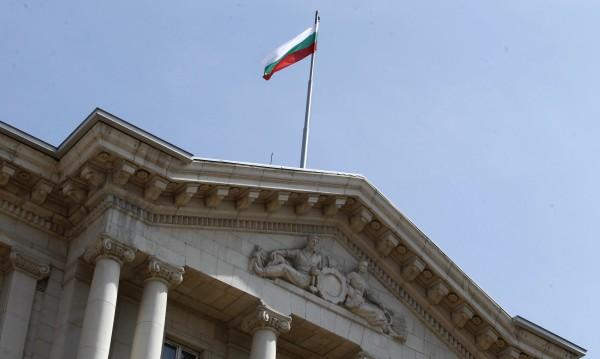 България куца при корупцията, демокрацията и свободата на медиите