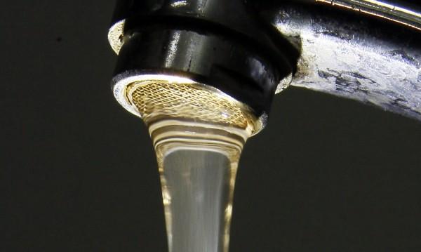 Ден 1-ви от ремонта на топлото: Не въртете кранчето, водомерът отчита!