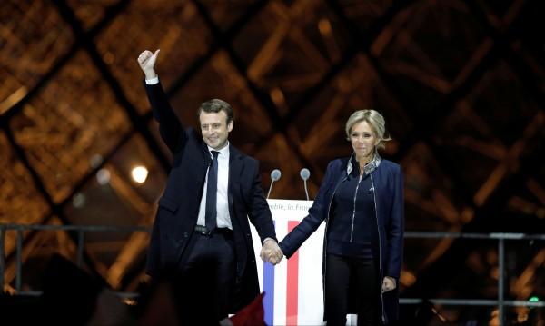 Руски медии: Макрон ще прави, каквото му кажат САЩ